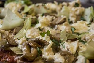 Mozzarella di bufala e olive di Gaeta